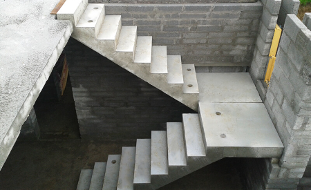 Dog_legged_staircase_as per IS 456